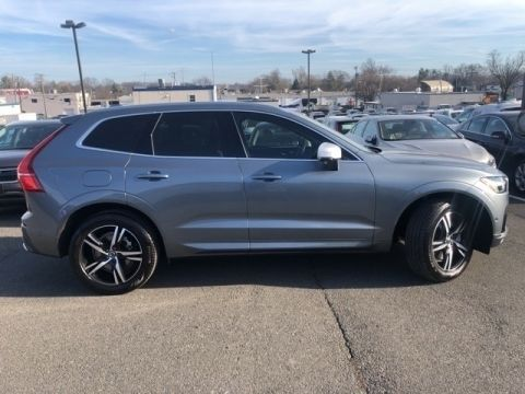 Pre-Owned 2018 Volvo XC60 T6 R-Design