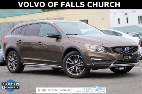 Certified Pre-Owned 2017 Volvo V60 Cross Country T5 With Navigation & AWD