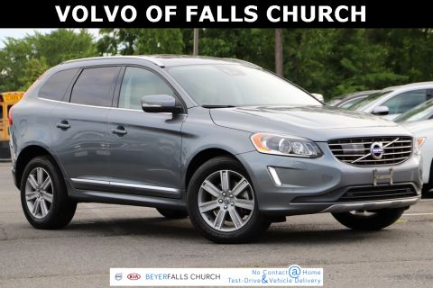 Pre-Owned 2016 Volvo XC60 T6 Platinum With Navigation & AWD