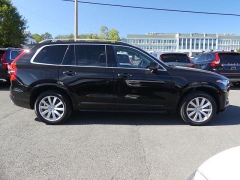 Certified Pre-Owned 2017 Volvo XC90 T6 Momentum
