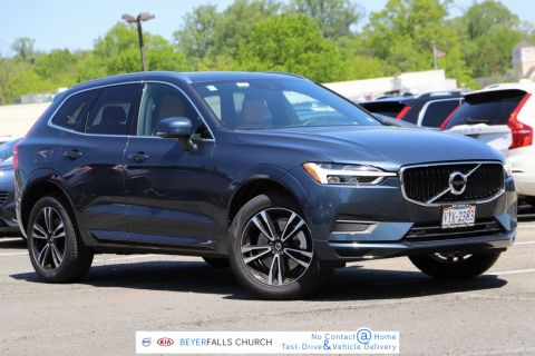 Pre-Owned 2020 Volvo XC60 T6 Momentum With Navigation & AWD